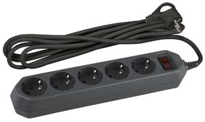 Сетевой фильтр ЭРА USF-5es-3m-B (черный) с зазем., 3*0.75мм2, с выкл, 5гн,3м,